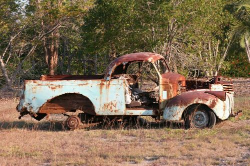 senas automobilis, rusvas automobilis, rusty ute, rusvas, automobilis, vintage, transportas, paliktas, sunaikintas, nuolaužos, rusted, senas, transporto priemonė, Senovinis, ištemptas, pažeista, klasikinis, garažas, automobilis, šiukšlių, metalas