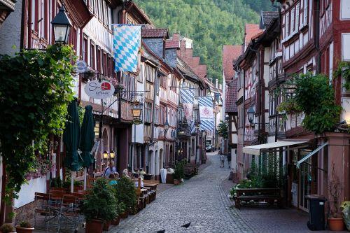 Senamiestis,kelias,pastatas,istoriškai,brangakmeniai,santūra,asfaltuotas,asfaltuotas kelias,namai,idiliškas,nuotaika