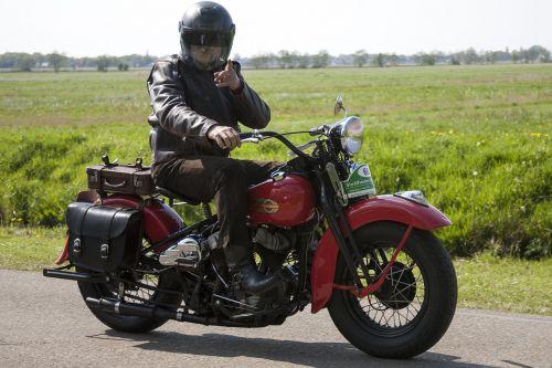oldtimer,motociklas,senas motociklas,istorinis motociklas,istoriškai,dviračių transporto priemonė
