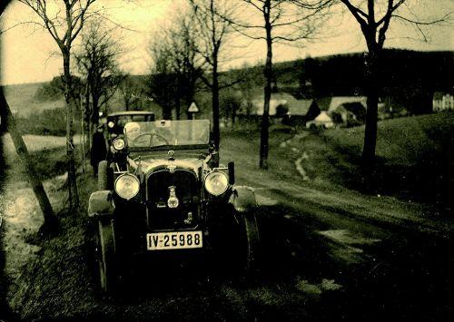 oldtimer,vintage,kelyje,vairuoti automobilį,automatinis,Nemokamas pasivažinėjimas,vairuoti
