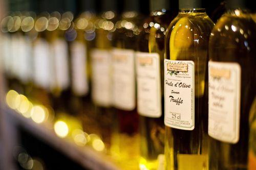 alyvuogių aliejus,triufelių aliejus,prancūzų aliejus,france,Viduržemio jūros,grybai,gurmanams,ekologiškas,prieskoniai,delikatesas,butelis