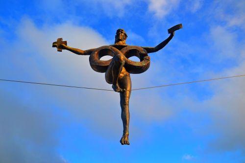 olštynas,ratas,czetochowa,skulptūra george curl