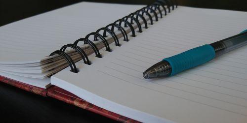 nešiojamojo kompiuterio, nešiojamieji kompiuteriai, rašymas, rašyti, žurnalas, dienoraštis, spiralinė & nbsp, užrašinė, rašikliai, Užrašų knygelė, spalvotas & nbsp, rašiklis, mėlynas & nbsp, rašiklis, atidarykite & nbsp, užrašų knygutę, tuščias & nbsp, puslapis, atidarykite nešiojamą kompiuterį su mėlynu rašikli