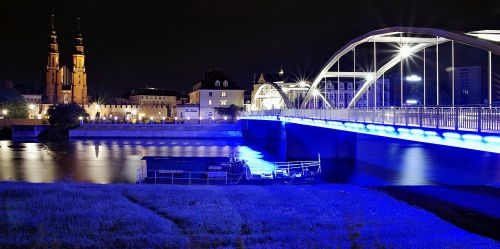 Opolė,tiltas pastowski,miestas,naktis,šviesa,pastatai,upė,Lenkija,architektūra,panorama,gatvė,tamsa,twilight,lempa,katedra,švytėjimas,mėlynas,neoninės šviesos,apšvietimas,perspektyva,gatvės šviesos,komunikacija,kelias,vakaras