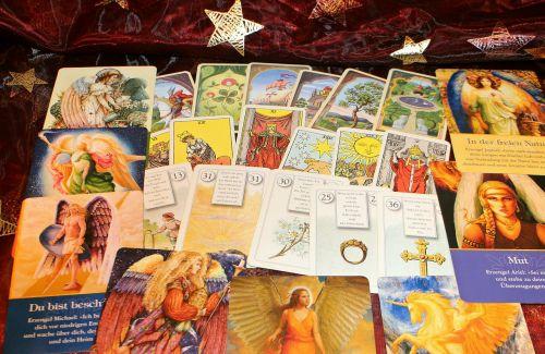 oracilo kortelės,ateities spėjimas,būsimoji interpretacija,Naujasis amžius,kortelės,Žaidžiu kortomis,orakulas,būrėjas,prop,aiškiaregystė,dvasinis