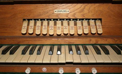 organas,bažnytinis organas,vamzdžių organas,stūmokliai,nykščio stūmoklis,sustoja,išsipūsti,instrumentas,bažnyčia,muzika,muzikinis,vintage,koplyčia,klaviatūra