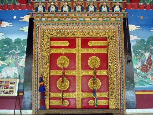 vaizdingos durys,vienuolynas,mundgod,Indija,Karnataka,mini tibetas,Tibeto gyvenvietė