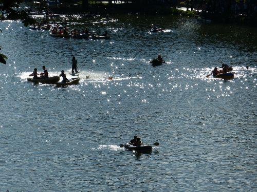 paddleris,boot,Danube,vanduo,linksma,pripučiamos valtys,plaukti,irklas,linksma maudytis