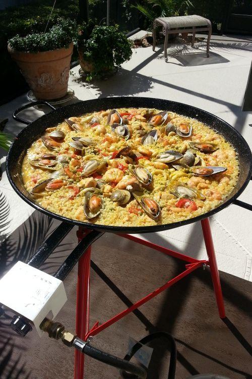 paella, ispanų paella, Ugnis, Ispanija, maistas, ryžiai, Ispaniškas maistas, jūros gėrybės, pipirai, šafranas, vakarėlis, mityba, ispanų k. vynas, vėžiai, malkos deginamos, skanus, lena, troškinti, Viduržemio jūros, pomidorai, krevetės, daržovės, ispanų conina, liepsnos, ingridientai, ispanų virtuvė, virtuvė, grūdai, diena, moliuskai