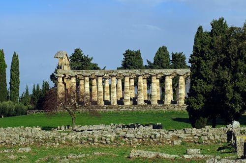 paestum,laikas iki atenos,Salerno,italy,graikų šventykla,stulpeliai,magna grecia,doric stiliaus,archeologija,doric stulpeliai