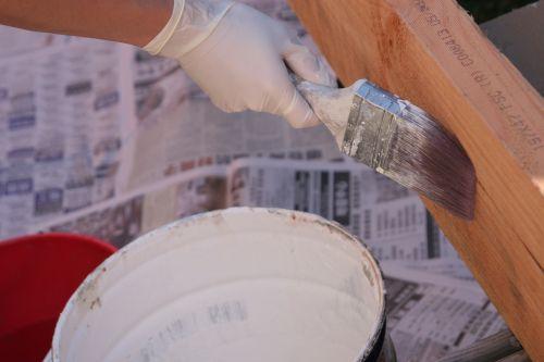 dažymas,renovacija,dažyti,dažų teptuku,namų tobulinimas,statyba