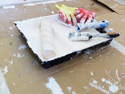 tapyba, dažų volelis, sienelę, renovacija, rankos, dažų sienos, interjero dažų, dažų sluoksnis, dažymo teptukai, dažų pirštines, šepetys, apdaila, padėklas, dažų dėklas