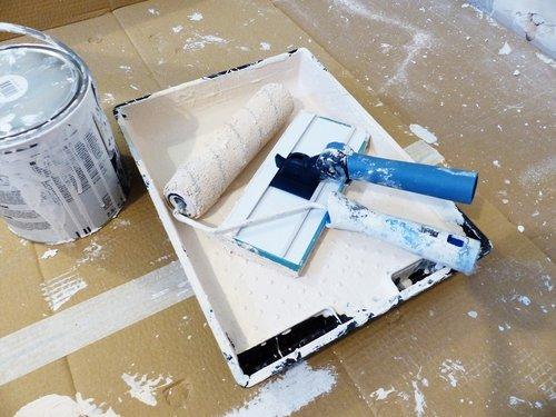 tapyba, dažų trinkelėmis, sienelę, renovacija, dažų sienos, interjero dažų, apdaila, padėklas, dažų dėklą, balta emulsija