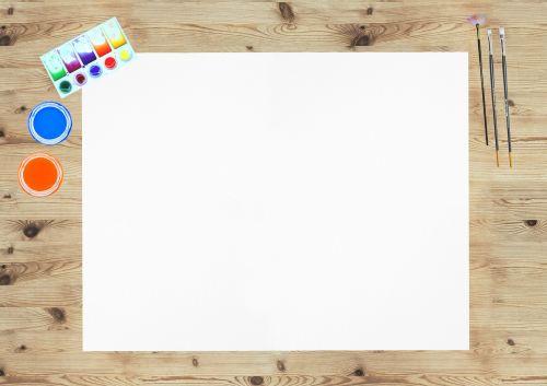 dažai,šepečiai,stalas,medinis,popierius,tuščias,tuščia,erdvė,menas,kurti,kūrybingas,šablonas,akvarelės
