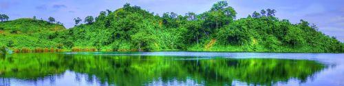 panorama,ežero panorama,kalnų panorama,atspindžio panorama,miškas,panoraminis,ežeras,kraštovaizdis,vanduo,gamta,vaizdingas,dangus,atspindys,kalnas,vasara,žalias,lauke,scena,medis,saulėtas,Rokas,peizažas,natūralus,vandens atspindys,aplinka,rytas