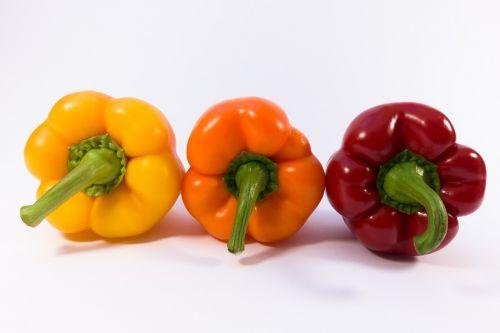 paprika,geltona,oranžinė,raudona,daržovės,maistas,saldieji pipirai,sveikas,skanus,valgyti,virtuvė,bio,virėjas,ingridientai,augalas