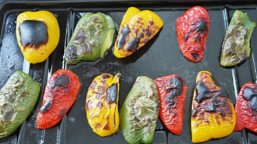 paprika,paprikos daržovės,maistas,daržovės,raudona,žalias,geltona,Paruošimas,virtuvė,keptos daržovės,antipasti,skanus,vitaminai,valgyti,naudos iš