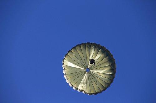 parašiutas, Eilinis, plūdė, parašiutininkas, kariuomenė, dangus, karinė, šokinėti, pratimas, didelis, mėlyna, pratimas šuolis, tūptinės, Bundesvero