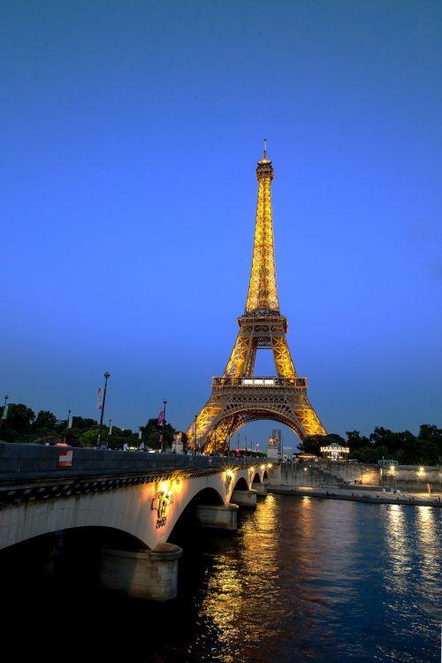 paris,Eifelio bokštas,france,atvirukas,miestas,centras,kelionė,atostogos,gražus vaizdas,architektūra,dangus,vakaras,šienas,upė,tiltas