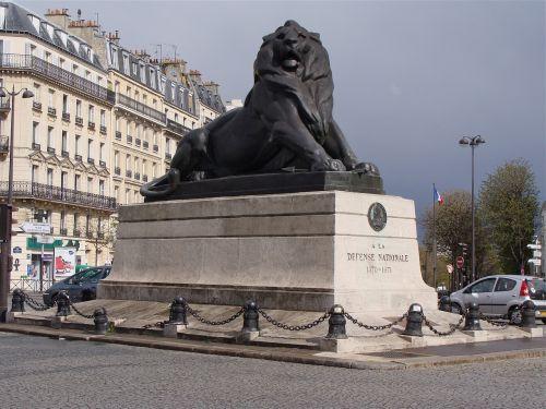 paris,statula,paminklas,france,miestas,lankytinos vietos,scena,miesto,gatvė,skulptūra,skulptūros,liūtas,saulėtas,turizmas,architektūra