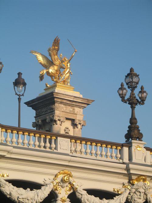 paris, bronza, auksas & nbsp, lapai, statulos, Parizės bronzos aukso lapų statulos
