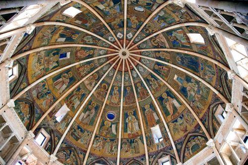 parma,baptistery,kupolas,italy,emilia romagna,romaneškos architektūros,gotikos architektūra,architektūra,sakralinė architektūra,istorija,gotika,romaneško stiliaus,menas