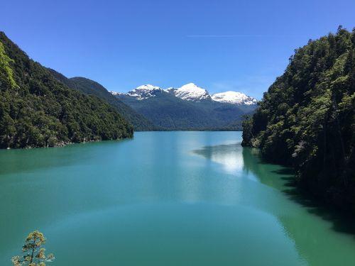 patagonia,gamta,kraštovaizdis,kalnai,ledynas,šventė,ledas,turizmas,argentina,pietų argentina,šaltas ežeras,medžiai