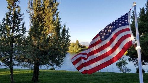 patriotinio, Jungtinė, narės, JAV vėliavos, garbanojimo, pasididžiavimas, šlovė, Amerika, patriotas, patriotizmas, simbolis