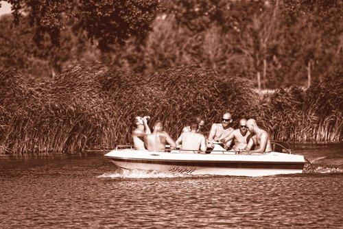 žmonių, vyras, kūnas, plikas, vandens, upė, valtis, pasiplaukiojimas, linksma, laisvalaikis, Laisvalaikis