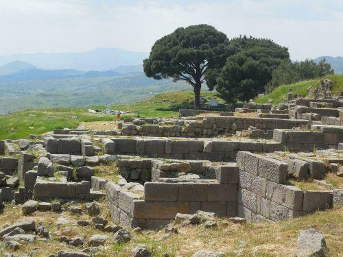 pergamonas,Turkija,kasinėjimai,istorija,griuvėsiai