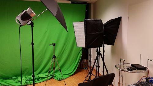 fotostudija,studijos video,projektorius,žalias fonas,projekcija,kinas,filmas,drobė,šviesa,prietaisai,tikslas,video,namų kinas,mesti