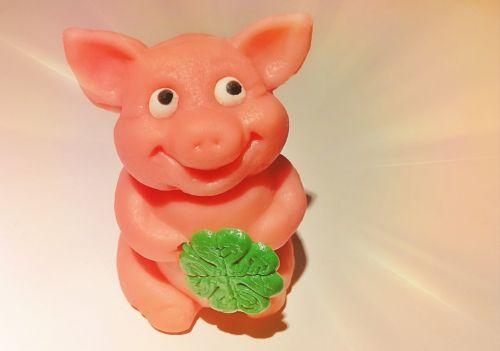 kiaulė,marcipanų kiaulė,juokinga,gyvūnas,laimingas žavesys,sėkmė,paršelis,keturių lapų dobilų,laiminga kiaulė,Naujųjų metų diena,mielas,figūra,mini,saldus,rožinis,miniatiūrinė kiaulė,marcipanas,saldainiai