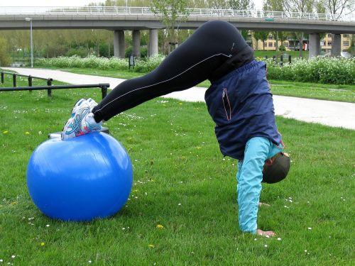 Pikepress,naudotis kamuoliu,exercisebal