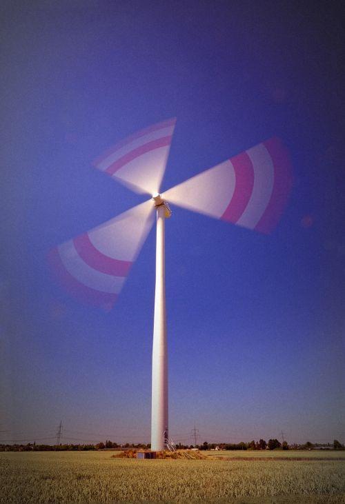 pinwheel,vėjo energija,energija,aplinkosaugos technologijos,vėjo energija,dabartinis,atsinaujinanti energija,dangus,mėlynas,kraštovaizdis,Vėjo turbina,elektros energijos gamyba,maitinimas,vėjo parkas,vėjas,energie