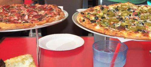 pica,greitas maistas,maistas,ispanų,restoranas,pepperoni,valgyti,patiekalas,šviežias,maistas,užkandis,nesveikas maistas