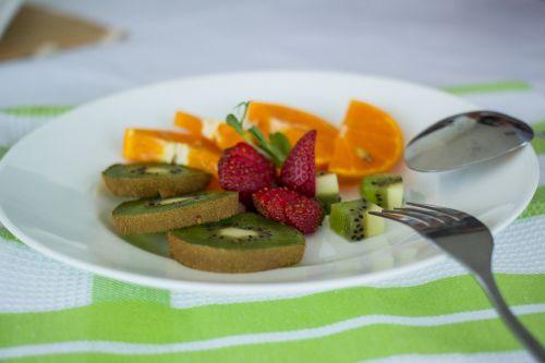 plokštė,vaisiai,stalas,maisto lėkštė,maistas,sveikas,maisto lėkštė,mityba,ekologiškas,vaisiai ir daržovės,daržovių,šviežias,natūralus,oranžinė,skanus,šviežumas,atogrąžų,oranžinis vaisius,kivi,sultingas,vitaminas,šviežias vaisius,mityba,sultys,gamta,saldus