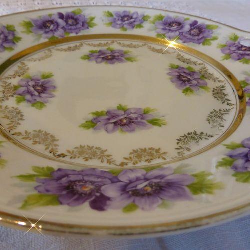 plokštė,porcelianas,senoji plokštė,ditzy,violetinė,indai,aukso briauna
