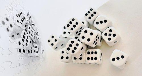žaisti, lošti, azartinių lošimų, kubas, Kazino, rizika, sėkmė, laisvalaikis, Iš arti, malonumas, Craps, Laisvalaikis, pelno, loterijos, žaidėjai, linksma