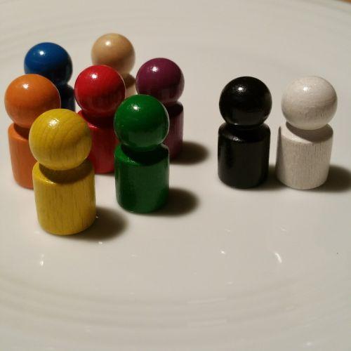 žaisti akmenį,mediena,juoda,balta,spalvinga,žaislai,vaikai,žaisti,žaidimo ženklai,skaičiai,bendruomenė,komanda