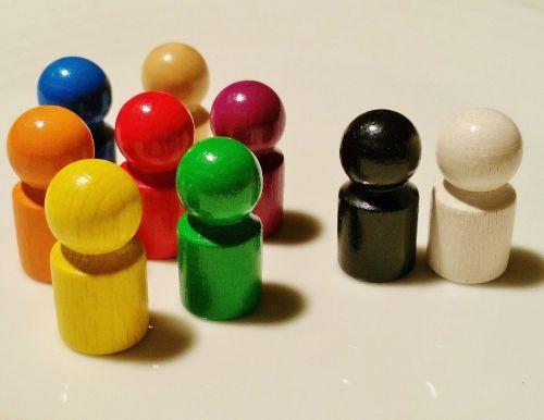 žaisti akmenį, mediena, juoda, balta, spalvinga, žaislai, vaikai, žaisti, žaidimo ženklai, skaičiai, bendruomenė, komanda