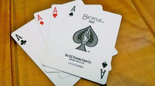 pokeris,raidės,denio,teismas
