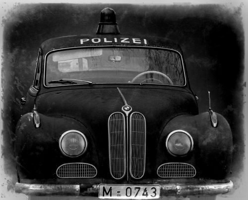 policijos automobilis,oldtimer,filmas automobilis,isar12,automatinis,senas,patruliuojantis automobilis,bmw 501,radijo juostos automobilis,senas automobilis,automobilis,transporto priemonė,rusted,senovės,korozijos,amžius,metalas,automobilis,gabenimas,transportas,vintage,skaitmeniniai meno kūriniai,skaitmeninis menas,Senovinis,juoda ir balta,skaitmeninė kūryba,grafinis