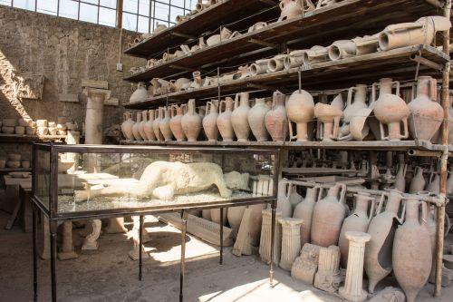pompėja,pompei,gipso kartonai,kasimas,ugnikalnio išsiveržimas,kūnas,mirtis,miręs,archeologija,senovės laikai,miręs gipsas,italy,istorija,žmogus,mirė,mirti,romėnų,pasaulinis paveldas
