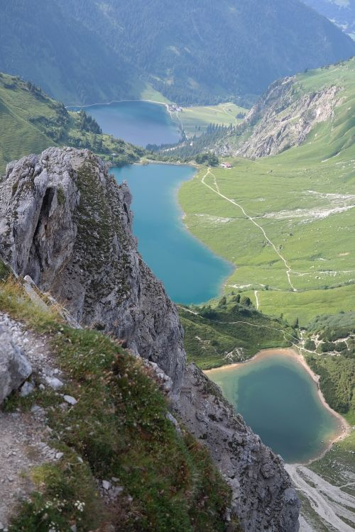 baseinas,vestuvinis kalninis ežeras,vilsalpsee,ežerai,kalniniai ežerai,žygių zona,vaizdas,baseinų viršus,Allgäu Alpės