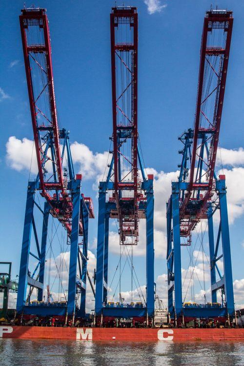 uostas,konteineris,hamburgas,konteinerių terminalas,konteinerių tvarkymas,konteinerių platforma,konteinerių krautuvas,hamburgo uostas