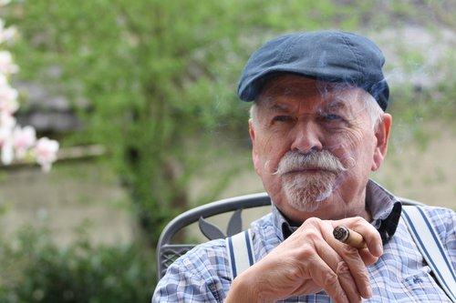 portretas, vyras, žmogus, suaugusiųjų, pobūdį, seneliai, metai, Asmeninis, pensininkai, iš, išėjimo į pensiją, veidas, susigrąžinti, senas vyras, vyresnysis, žmogus, senjorams, sėdi, senelis, Amžius, seni žmonės, senas žmogus, demencijos, sveikata, tiekimas