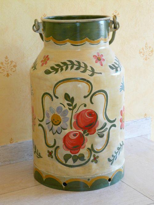 puodą,pieno gali,dažytos,valstiečių menas,valstiečių tapyba,gėlės,ornamentas,dekoravimo dirbiniai