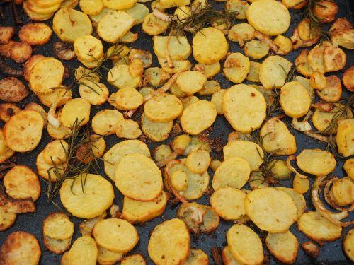 bulvės,keptos bulvės,skrudinta,bulvių griežinėliai,kartofellschnitze,iškirpti,maistas,valgyti,geltona,keptos bulvės