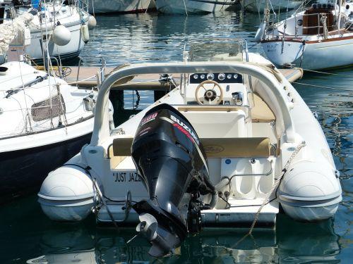 kateris,boot,variklis,uostas,vidaus degimo variklis,laivas,laivu valtis,pakabinamas variklis,sporto valtis,pakabinamas variklis,jūrų variklis,propeleris