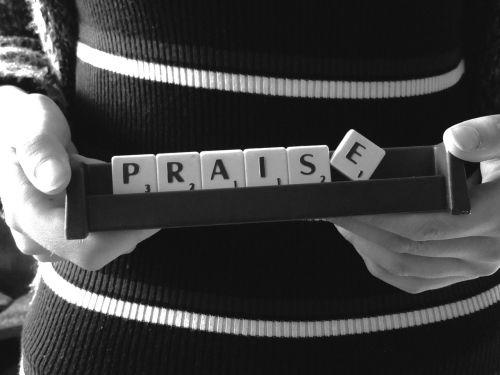 pagyrimas,žodis,Scrabble,pranešimas,Stick,juoda balta,pranešimas
